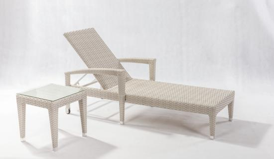 Tumbona de rattan color natural