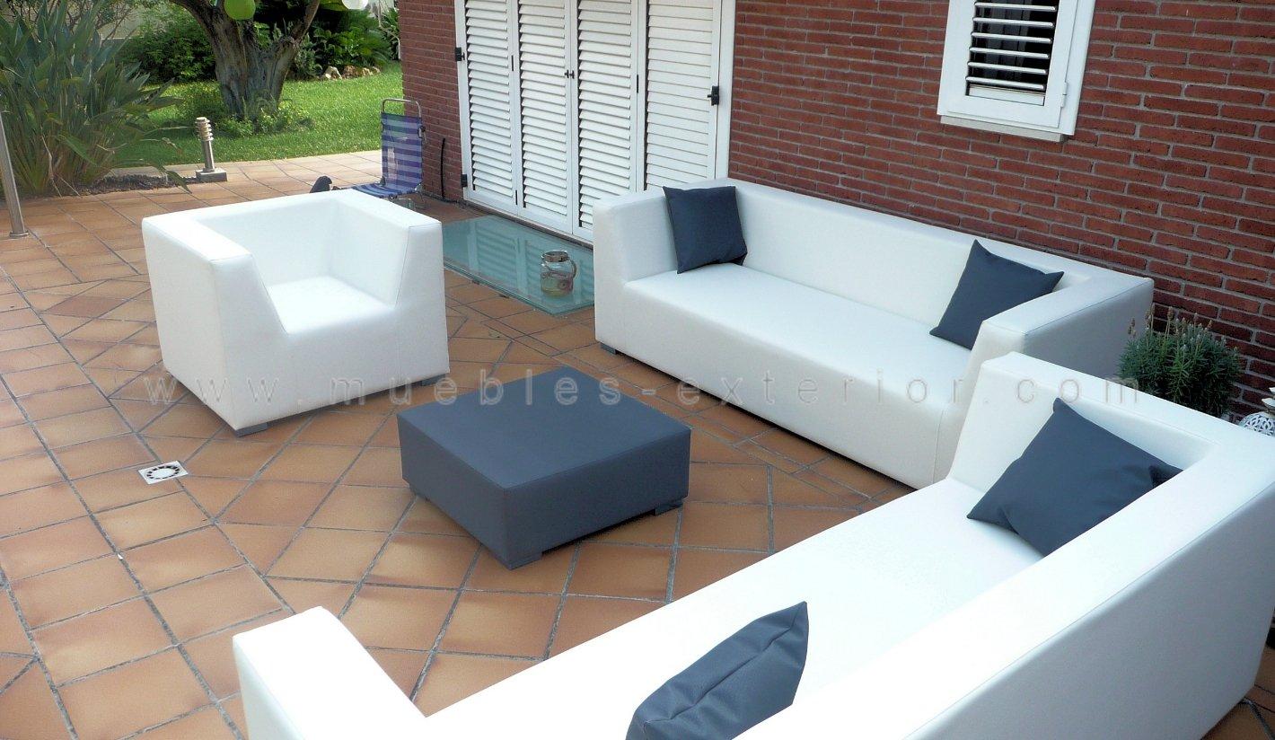 Sillones y sof s jard n telas n uticas impermeables for Muebles de plastico para exterior