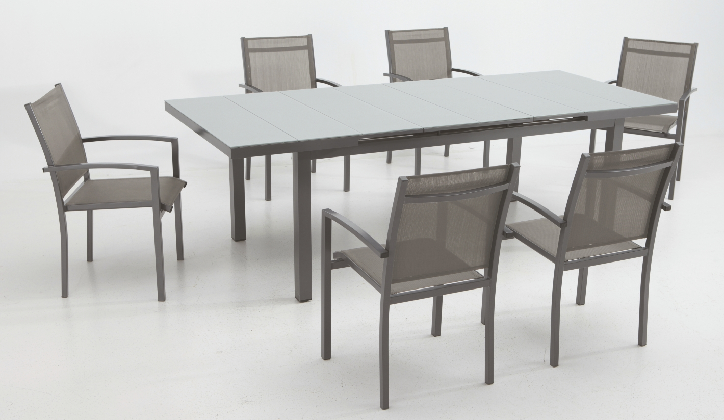 Conjunto muebles comedor jard n ridley for Comedor de jardin