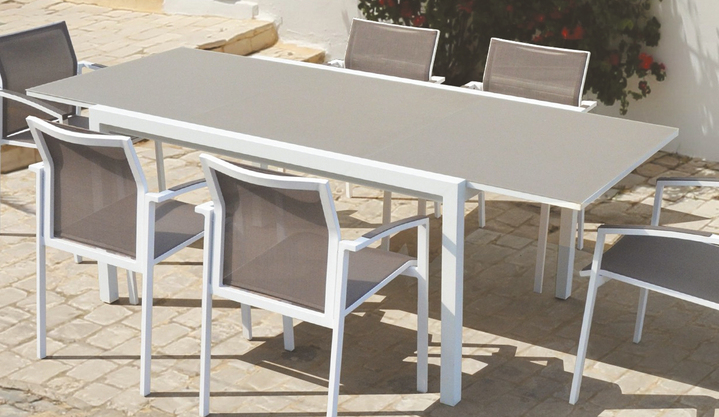 Mesas de jard n extensibles for Mesas y sillas para jardin exterior