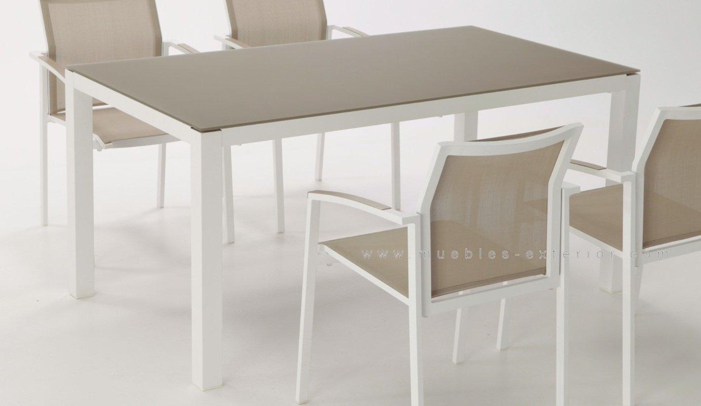 Conjunto jard n villanueva for Muebles exterior aluminio blanco