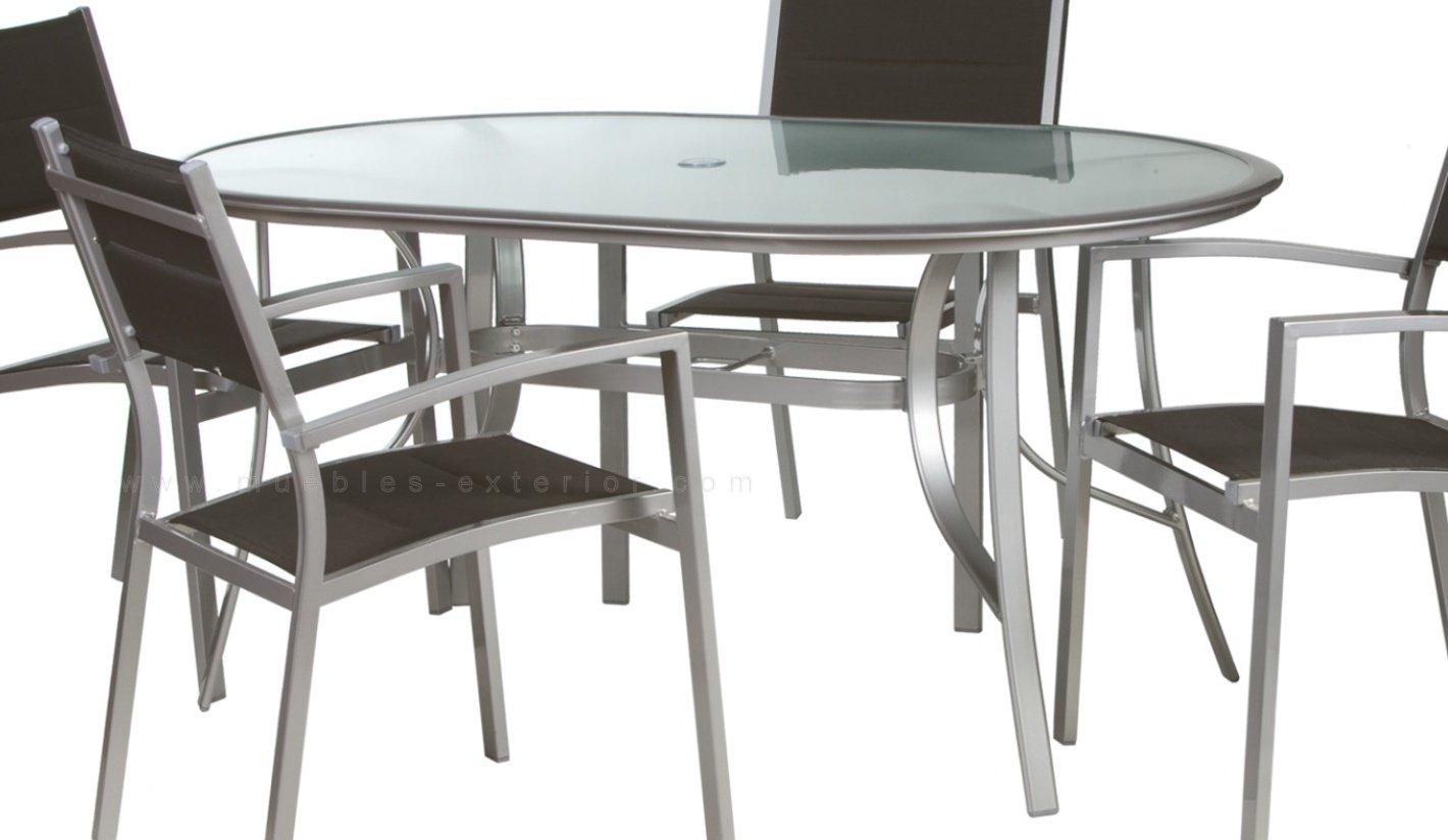 Mobiliario de terraza mesas sillas terraza colecci n for Conjunto de mesa de madera y silla de jardin barato