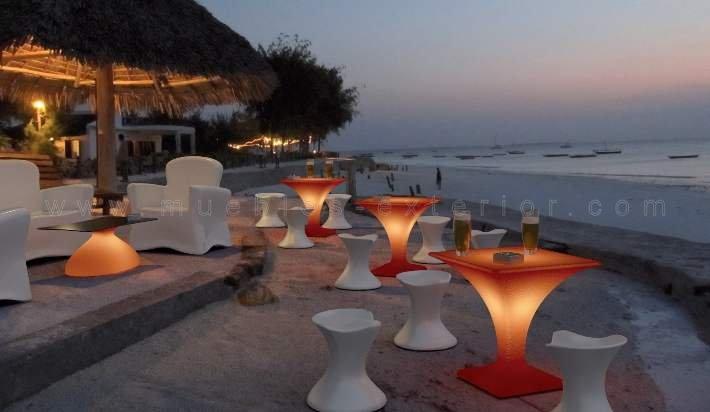 Muebles con luz sof s de exterior resina y mobiliario - Muebles resina exterior ...